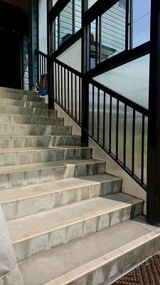 階段手すりビフォー