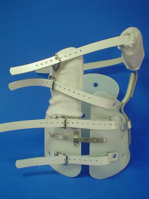 側弯矯正装具(OMC)